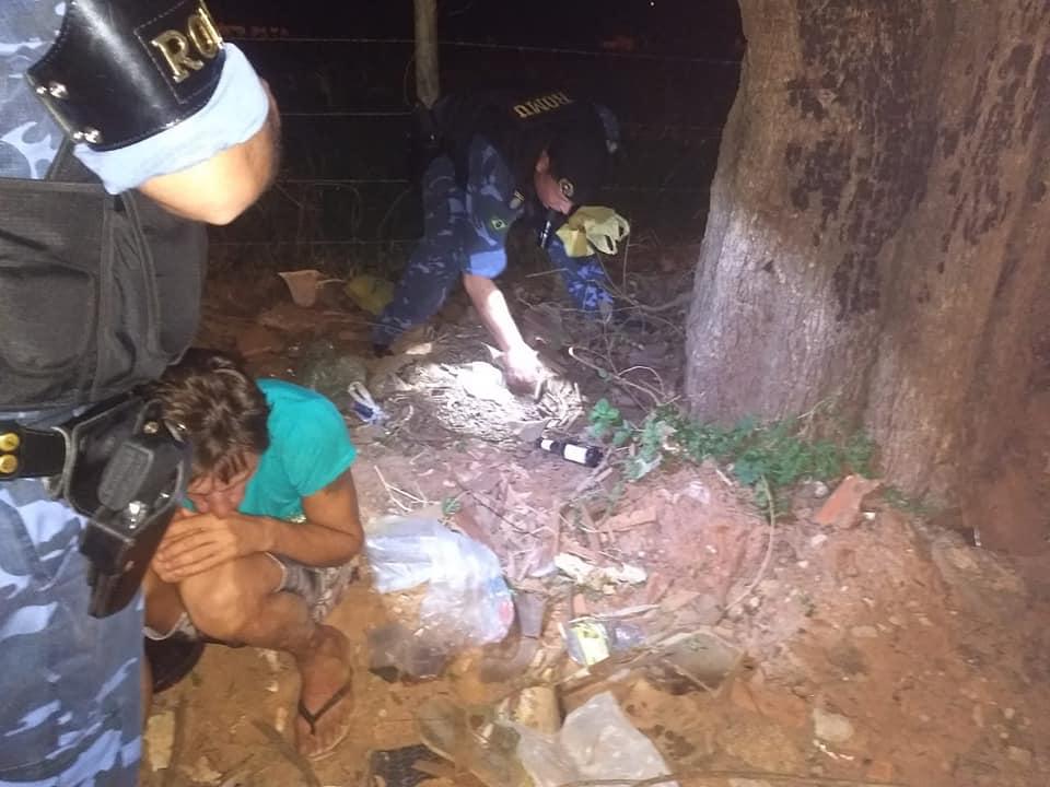 12 - ROMU prende homem com mais de 22 pedras de crack no João Crevelaro