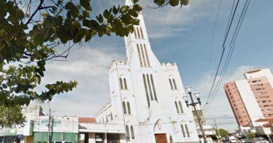 1557755857 78935 390x205 - Homem é preso após tentativa de furto na Igreja Matriz