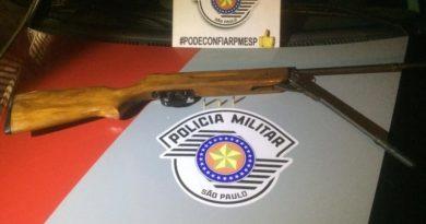 cropped espingarda 3 390x205 - Homem é preso por posse ilegal de arma no Quemil