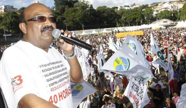 sindicalista chinelo e preso durante operacao da policia federal 1565694100 7 - Esquema pode ter desviado R$15 milhões da Prefeitura de Araçatuba