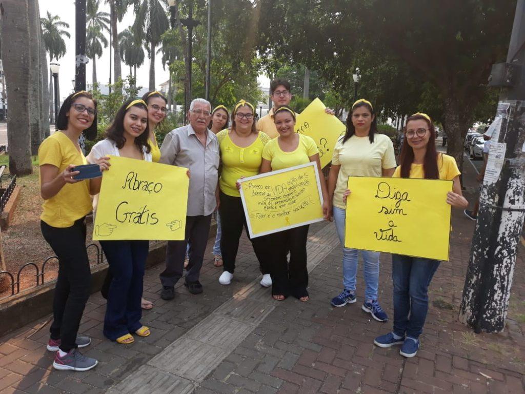 IMG 20190920 WA0013 1024x768 - A IMPORTÂNCIA DO ABRAÇO: Alunos da ETEC de Birigui promovem ação sobre prevenção  ao suicídio (Campanha Setembro Amarelo)