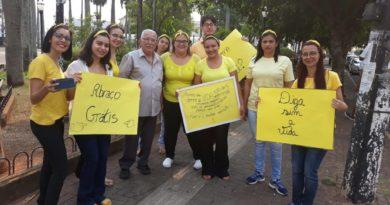 A IMPORTÂNCIA DO ABRAÇO: Alunos da ETEC de Birigui promovem ação sobre prevenção  ao suicídio (Campanha Setembro Amarelo)