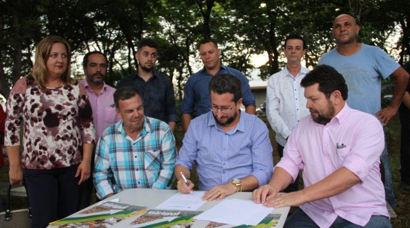 IMG 9735 800x445 - Prefeitura autoriza inicio de recapeamento das Avenidas Achelino Moimás e Manoel Alves Barbosa