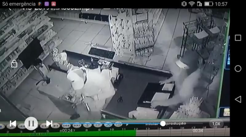 Screenshot 2019 10 30 10 57 31 800x445 - Câmeras de segurança flagram furto em Coroados