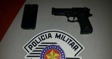 cropped FB IMG 1572122546866 390x205 - Menores são detidos com réplica de arma de fogo em Birigui
