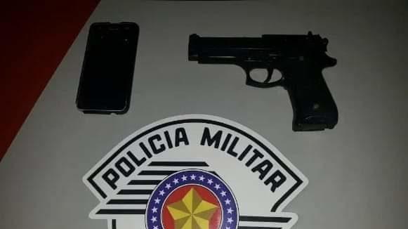 cropped FB IMG 1572122546866 - Menores são detidos com réplica de arma de fogo em Birigui