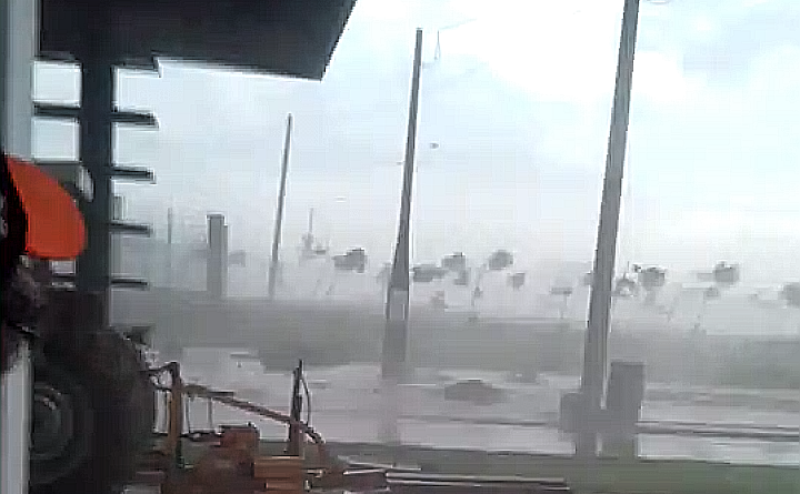 IMG 20191217 013734 720x445 - Vídeo registra chegada de Tempestade em Araçatuba
