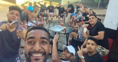 IMG 20200726 172513 390x205 - Gol contra: jogadores do Bandeirante são flagrados em churrasco com bebida alcóolica e aglomeração