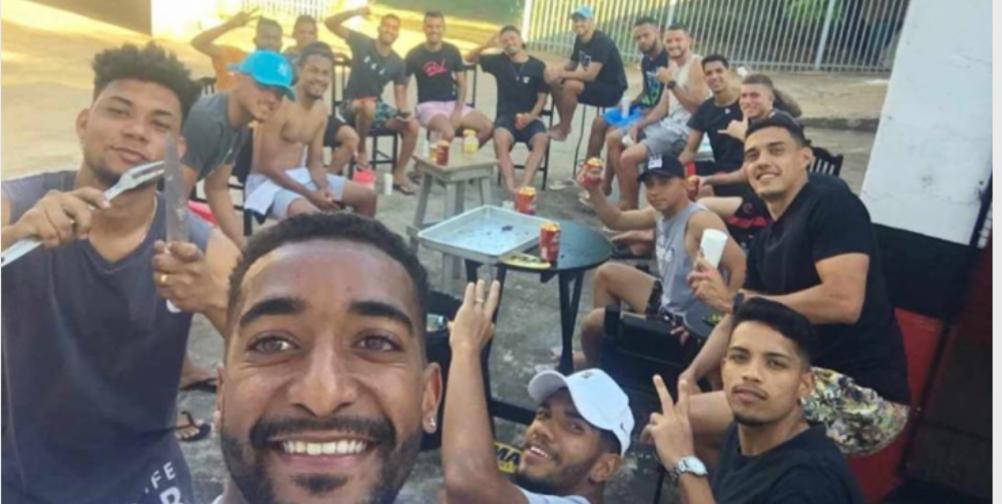 IMG 20200726 172513 - Gol contra: jogadores do Bandeirante são flagrados em churrasco com bebida alcóolica e aglomeração