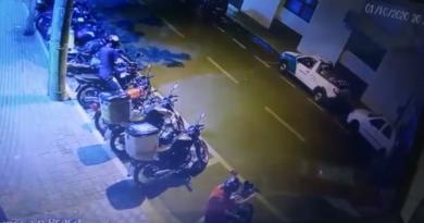 IMG 20201003 231327 390x205 - Furto de moto é flagrado por circuito de segurança em Birigui