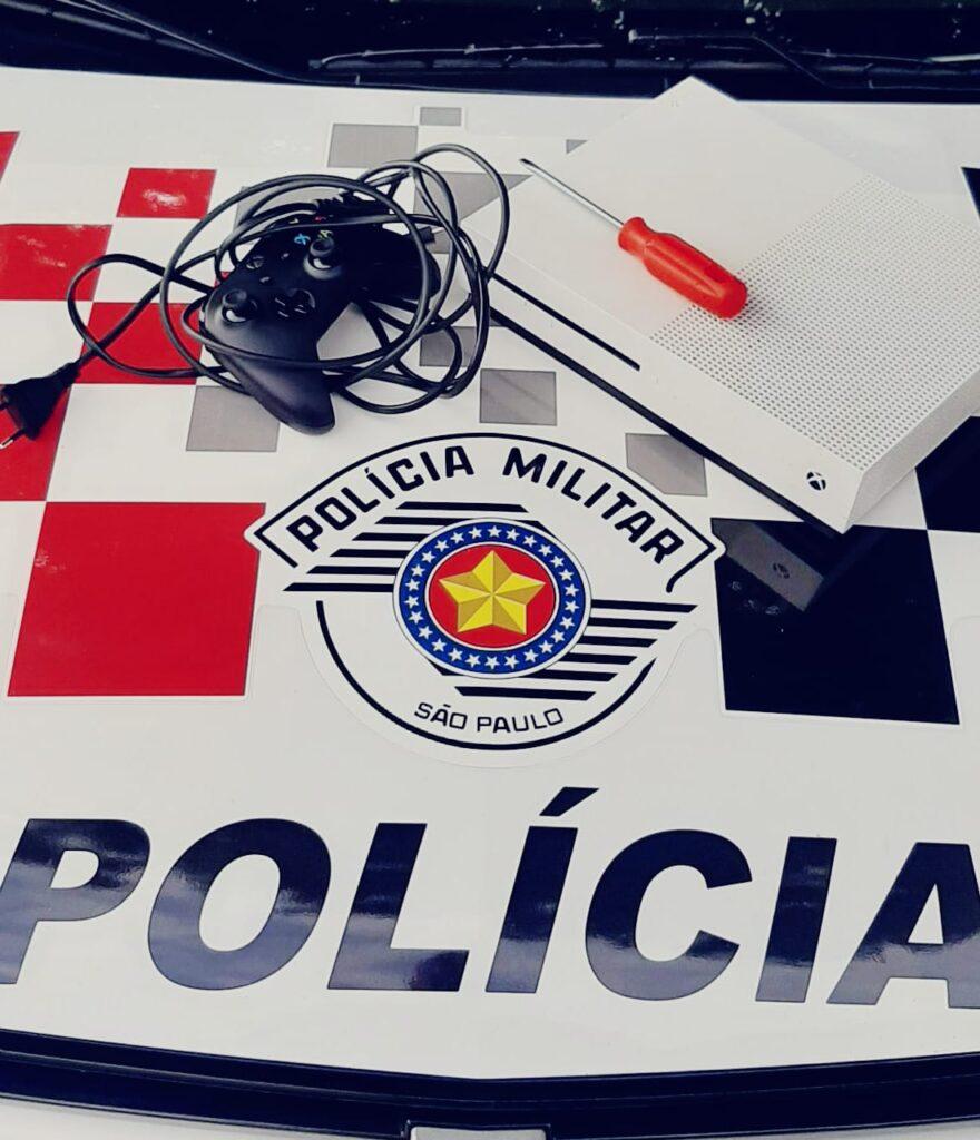 foto furto 16OUT20 880x1024 - Três menores são detidos após furto a residência em Birigui