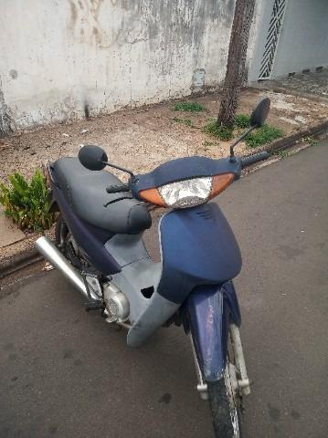 foto motoneta furtada - PM recupera moto furtada em Birigui