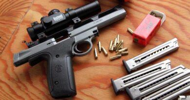 Pandemia e recentes manifestações faz compra de armas disparar nos EUA