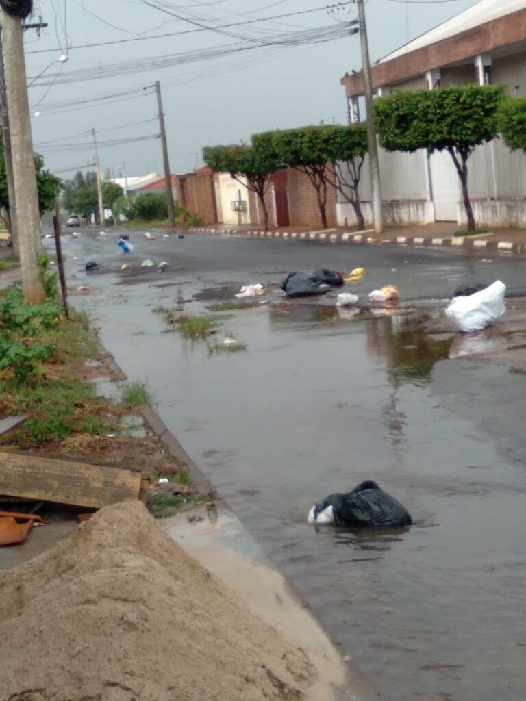 IMG 20201229 WA0004 768x1024 - Atraso na coleta de lixo traz transtorno para moradores em Birigui