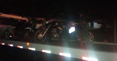 imagem apreensao de motocicleta 1 390x205 - PM apreende 11 motocicletas irregulares em praça de Birigui