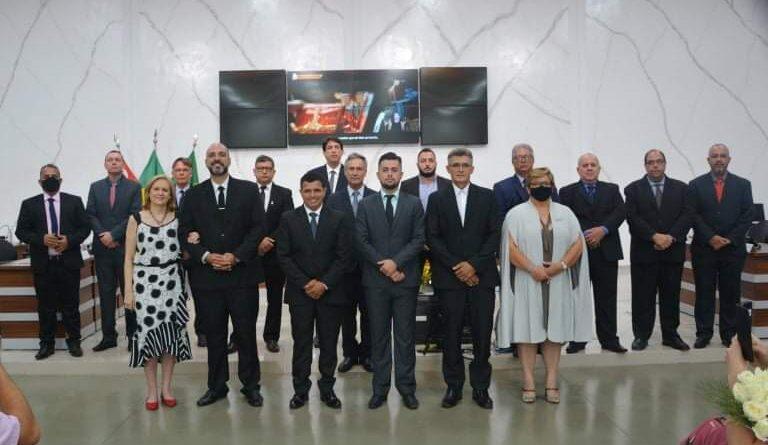 FB IMG 1609516177504 768x445 - Câmara realiza sessão de posse de prefeito e vereadores em Birigui