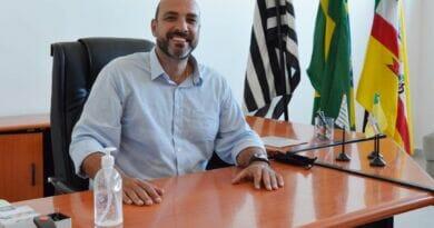 """FB IMG 1611260028755 390x205 - """"Caos no PS"""", Câmara de Birigui define integrantes da CP que vai investigar conduta de Leandro Maffeis"""