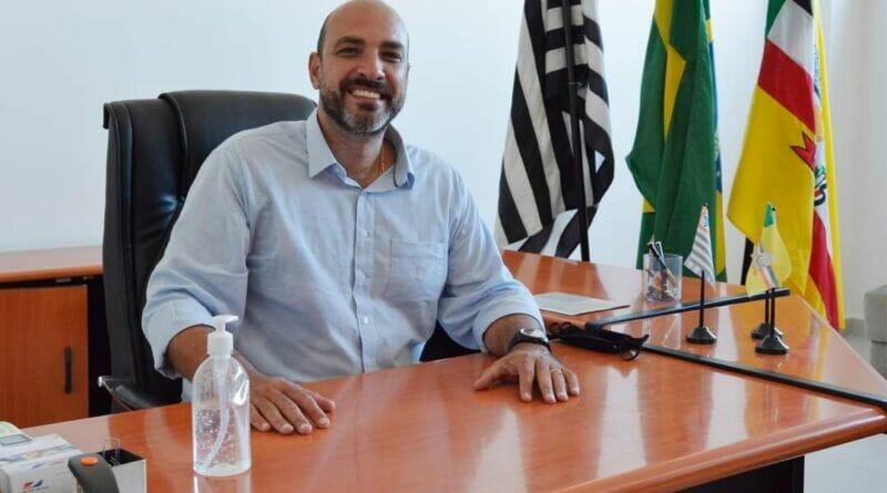 FB IMG 1611260028755 800x445 - Prefeito de Birigui Leandro Maffeis determina criação de programa anti-corrupção
