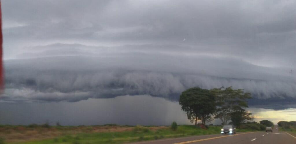 IMG 20210120 WA0006 1024x498 - Formação de nuvem gigante assusta moradores no Brejo Alegre