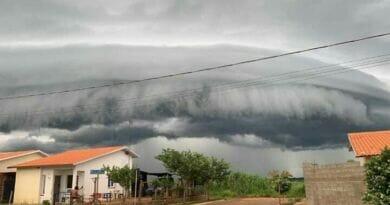 IMG 20210121 004451 390x205 - Formação de nuvem gigante assusta moradores no Brejo Alegre