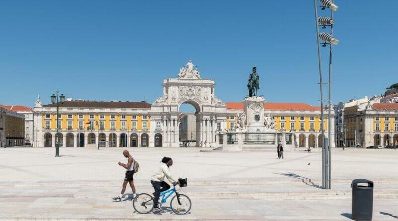 Lisboa coronavirus 800x445 - COVID-19: após 10.000 mil casos diários de infeção, Portugal entrará em novo confinamento