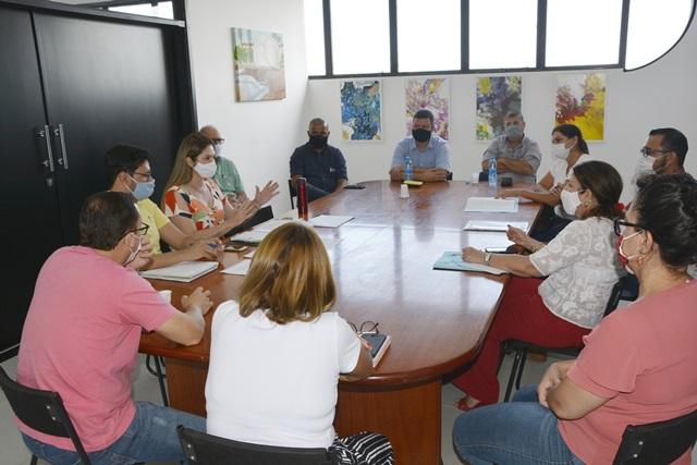 0012105 - COVID-19: com 100% de ocupação em UTI, Birigui deve adiar volta às aulas