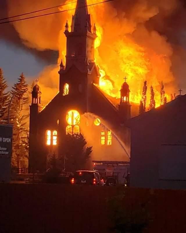 FB IMG 1625174588871 - Igrejas são queimadas no Canadá após descoberta de mais 182 túmulos indígenas